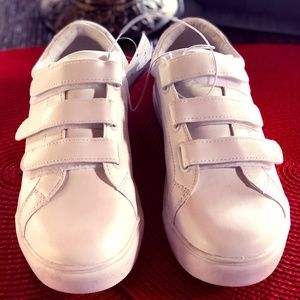 A New Day  Whitney NWT 7, 9 White Casual Sneakers